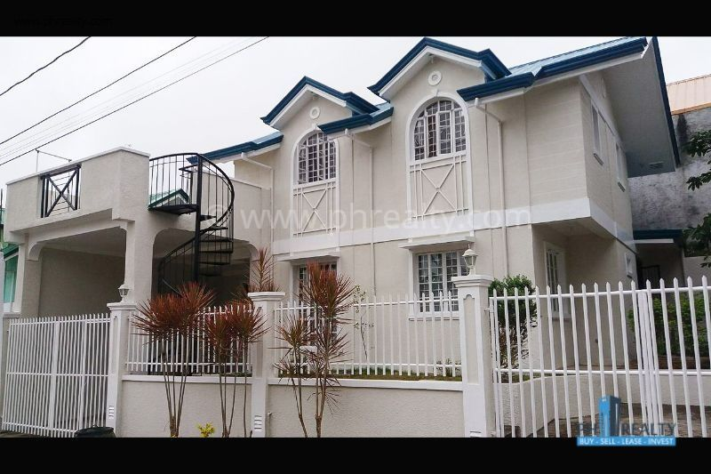 Sta. Rosa Heights For Resale.