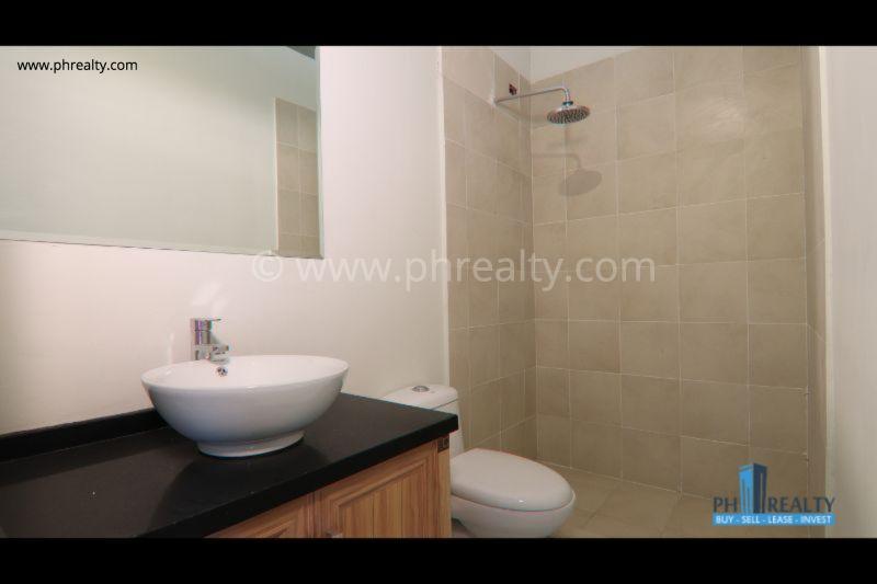 3 BR - Bathroom
