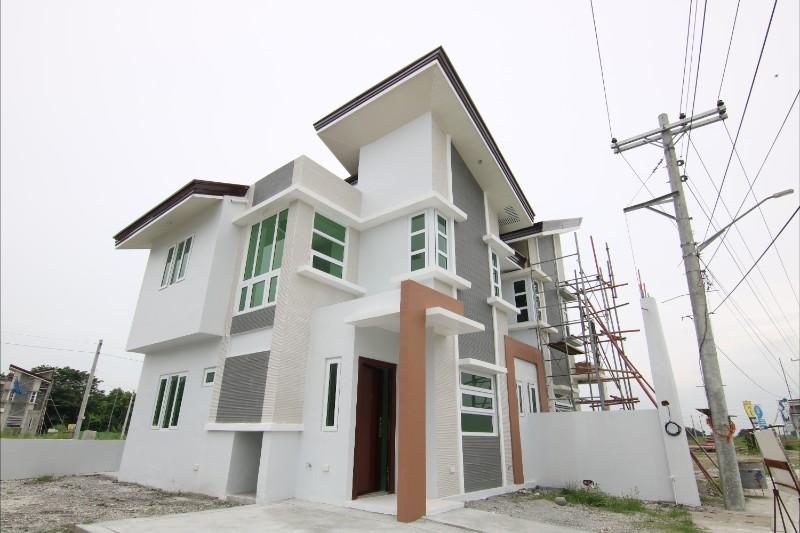 Saveria House Model