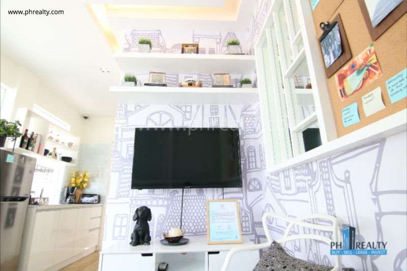 1 BR - Living Room
