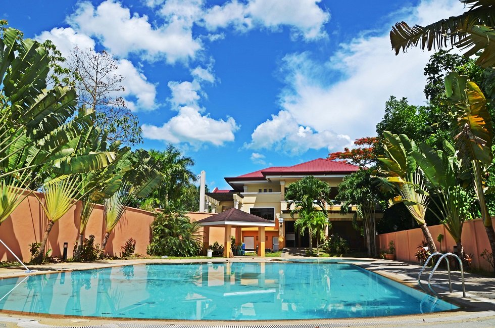 Swimming Pool & Clubhouse