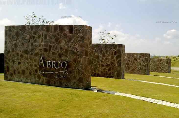 Abrio Radial Walls